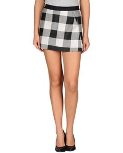 Sleek Short Box Check Flannel Skirt